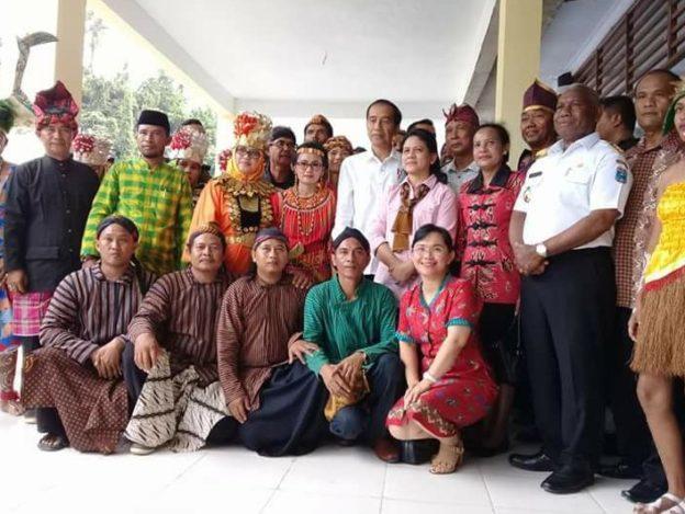 Hari Ibu di Raja Ampat Bersama Jokowidodo